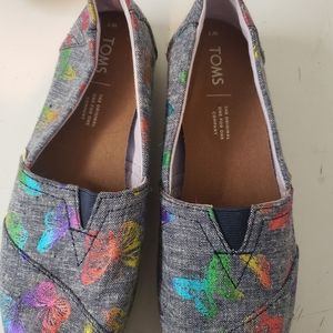 Womens NWOT Tom's butterfly shoes size 7
